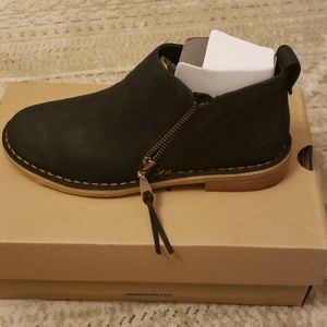 UGG Women's Clementine Boots Size 5 Black